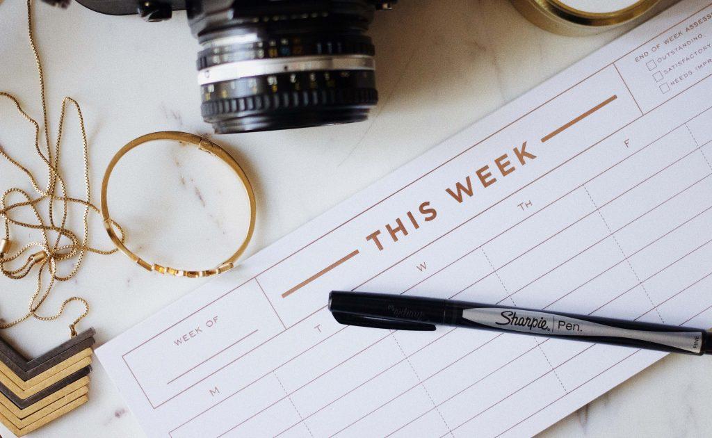 keep a consistent social media calendar on hand